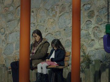 Cahide quiere entregar a Melek a su madre biológica