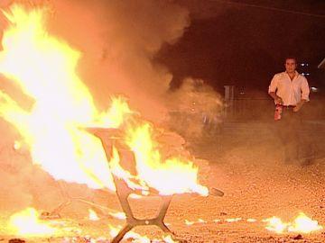 Intentan prender fuego al colegio de Sila
