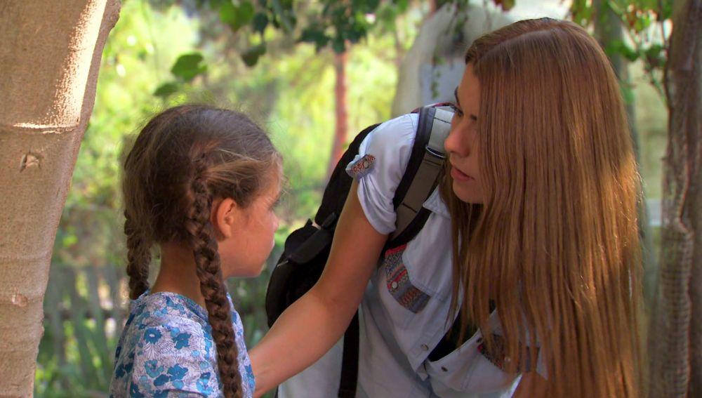Zeynep salva la vida de Elif