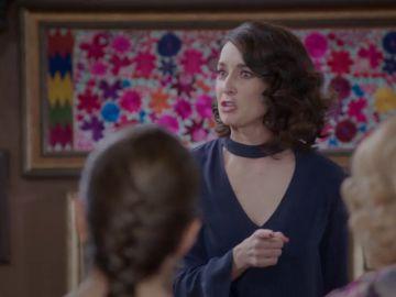 Susana Córcega monta el espectáculo en casa de su otra familia