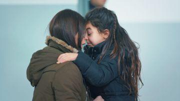 Zeynep recibe la inesperada visita de Turna en prisión