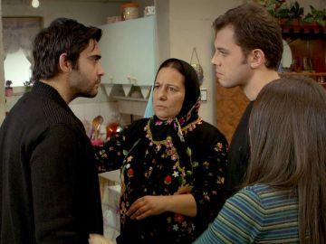 Emir secuestra a Feriha cuando Mehmet se la llevaba al pueblo
