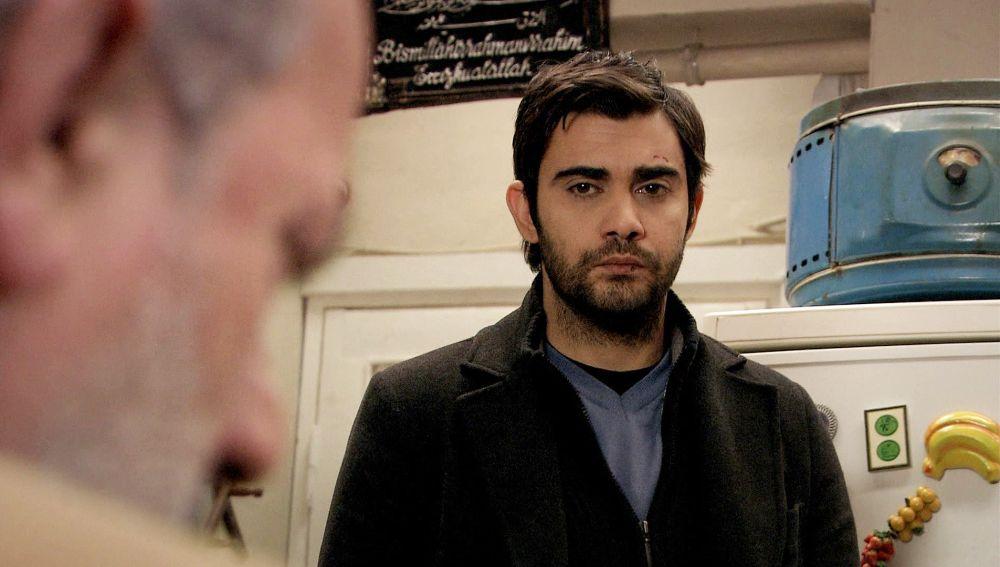 """Mehmet a Riza: """"Emir no secuestró a Feriha"""""""