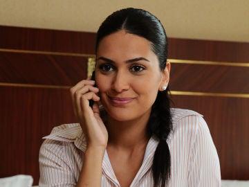 Bergüzar Korel es Sherezade Evliyaoğlu en 'Las mil y una noches'