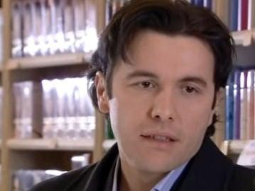 Ergün Demir como Ali Kemal Evliyaoğlu en 'Las mil y una noches'