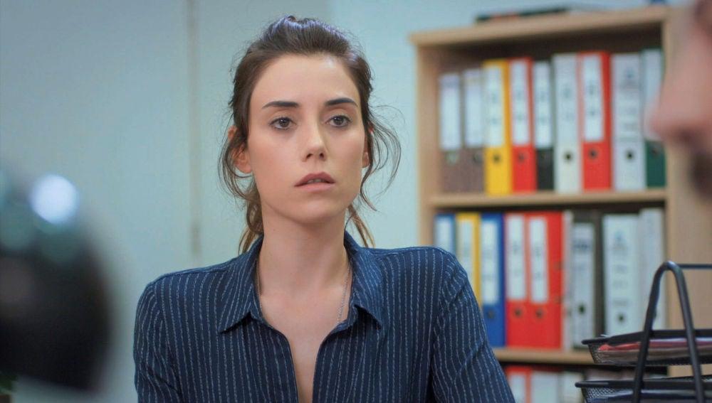 Zeynep en la comisaría