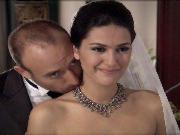 Onur y Sherezade son pareja en la vida real y otras curiosidades que no sabías sobre 'Las mil y una noches'