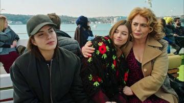 La señora Fazilet y sus hijas - Tráiler