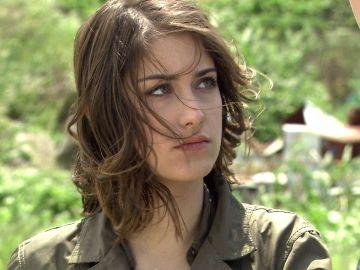 Nihal descubre que Behlül ha visto a Sedef