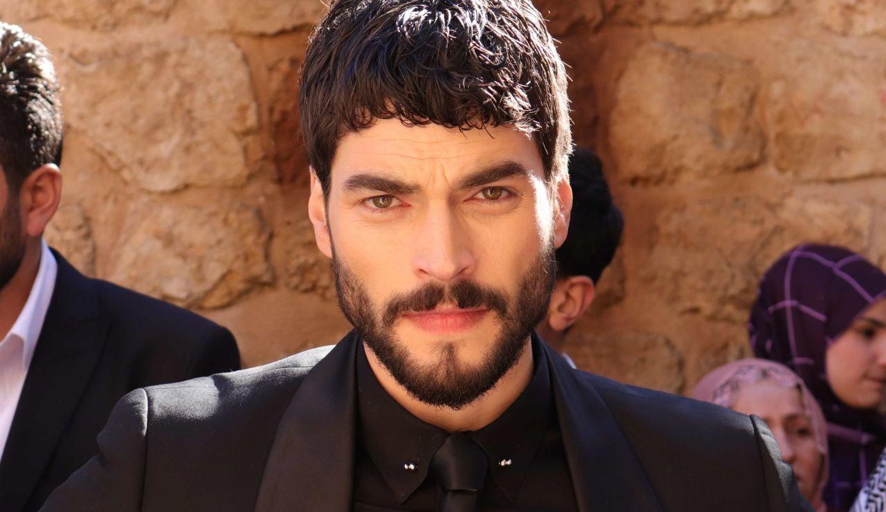 ¿Quién es Akin Akinozü, el protagonista de 'Hercai'?