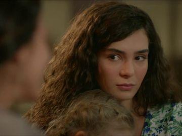 Reyyan se reúne con su familia tras su secuestro