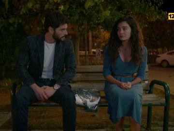 El domingo en 'Hercai', Miran, desesperado por recuperar la confianza de Reyyan