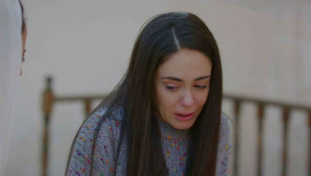 "Elif, a Azize: ""Nadie de esa familia es tan cruel como tú"""
