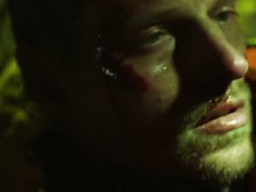 Andreas sufre un terrible accidente rescatando a un niño atrapado en una cueva