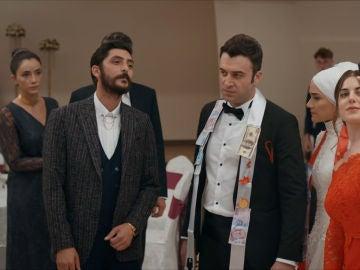 Tarig en la boda de Ali y Esma