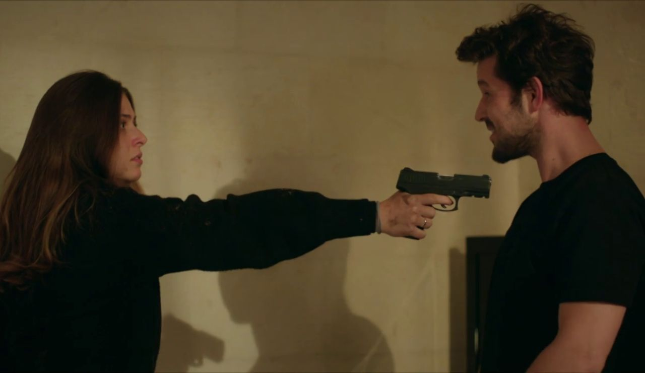 """Yaren, desesperada por huir de Harun: """"Te juro que te dispararé"""""""