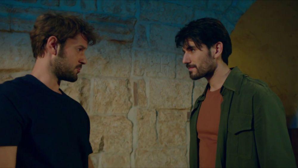 ¿Por qué se conocen Harun y Aslan Aslanbey?
