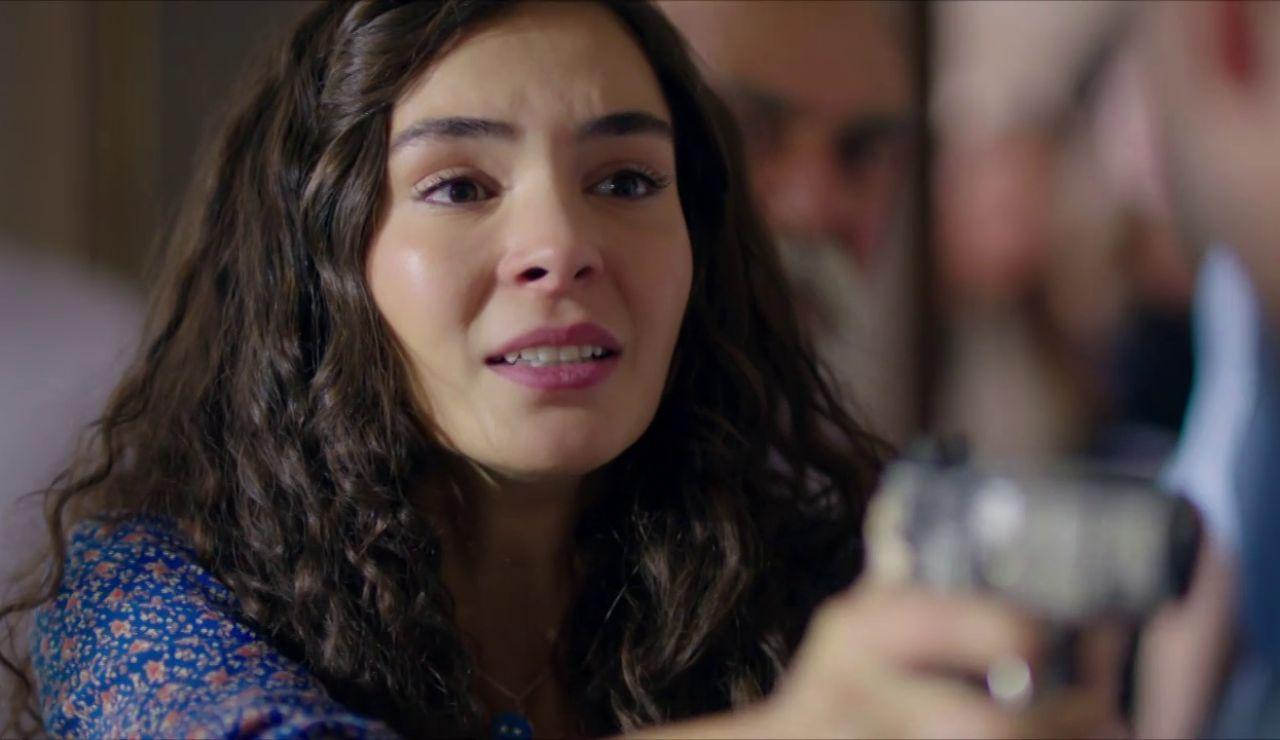 """Reyyan no confía en Miran: """"Nos engañaste a mí y a mi familia"""""""
