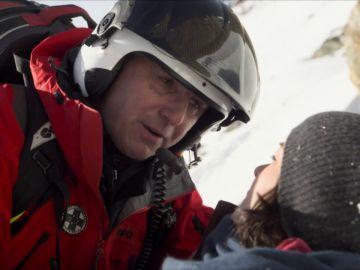 El Dr. Gruber se convierte en un auténtico rescatador en Los Alpes