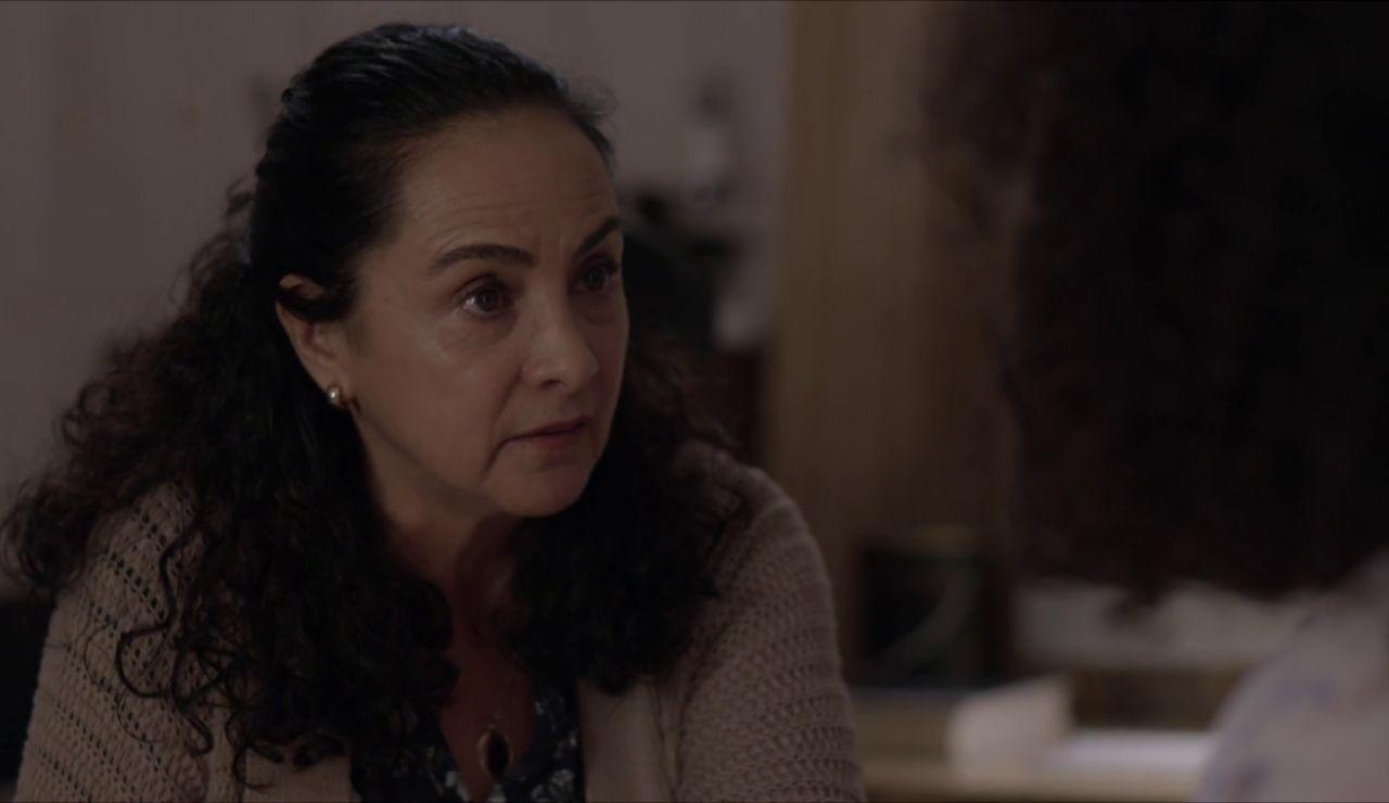 """La madre de Betty sabe que tiene algo con Armando: """"¿Estás saliendo con tu jefe?"""""""
