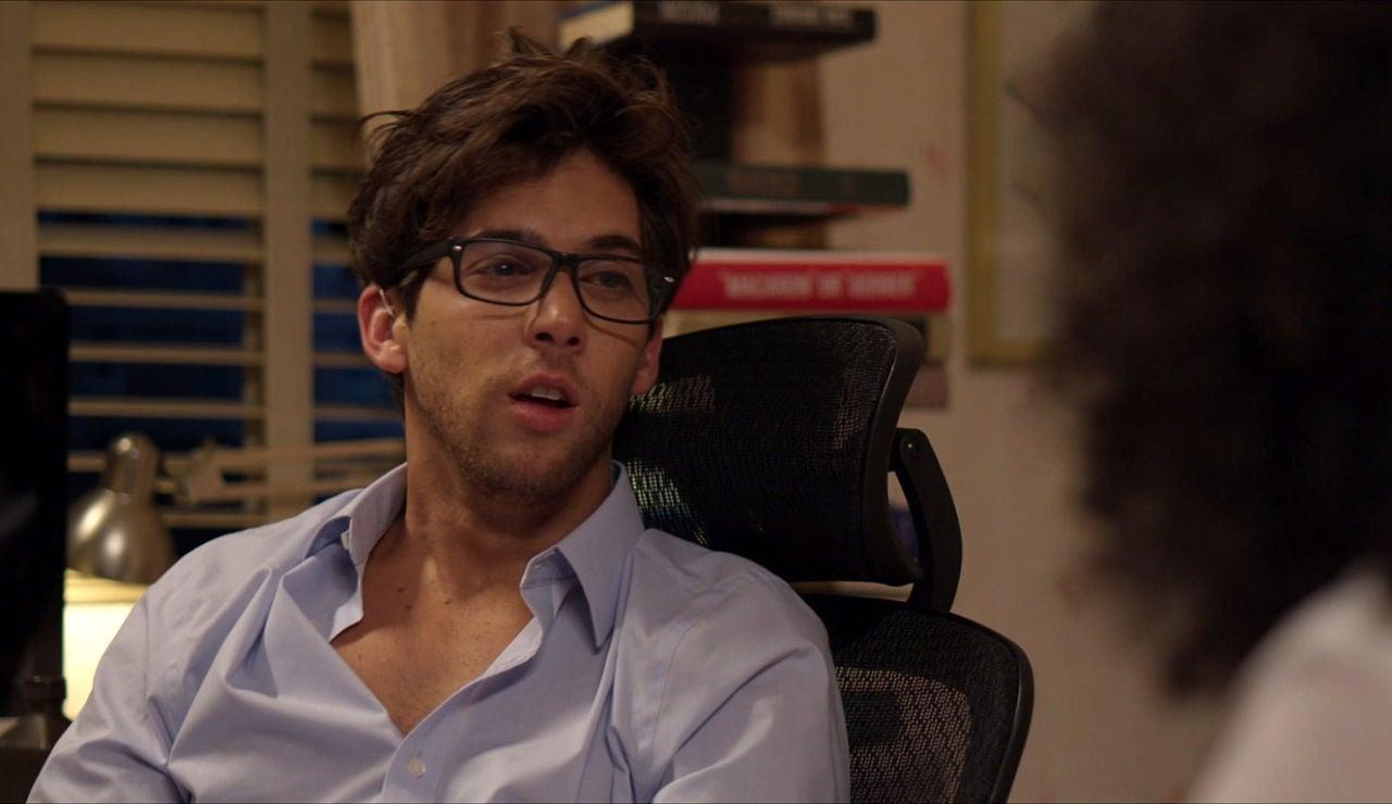 Nicolás habla con Betty