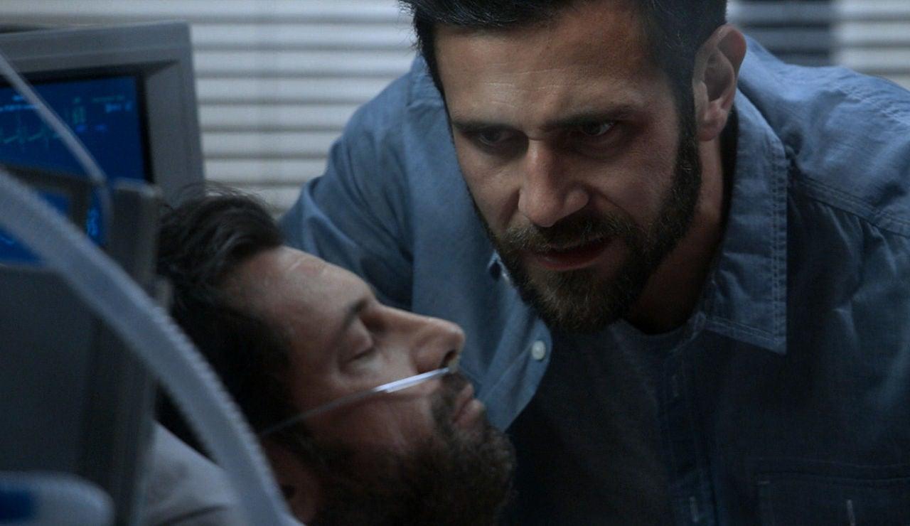 Santiago amenaza a Damián