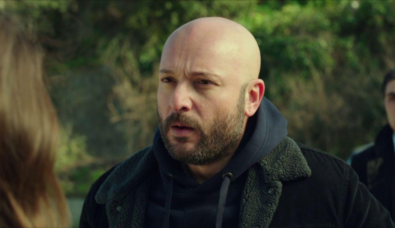 """Özkan, preocupado por Hazal: """"Quiero saber qué le pasa a mi hija"""""""